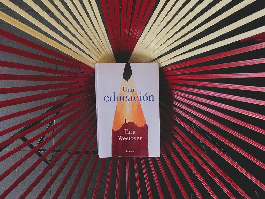 Portada del libro Una educación de Tara Westover.